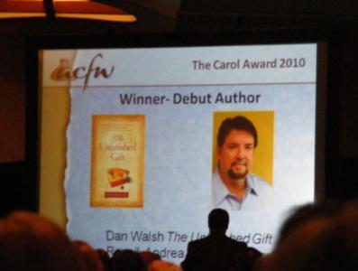 pic-of-big-screen-when-carol-award-announced-acfw-2010_397x300